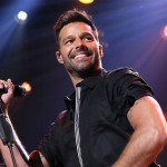 Ricky Martin abre el Festival Viña del Mar que continúa a pesar de protestas