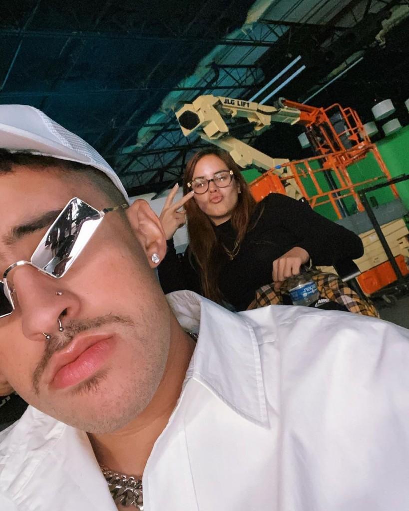 Bad Bunny sube la primera foto con su novia Gabriela