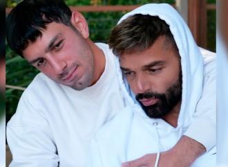 Ricky Martin presenta a su pequeño hijo Renn