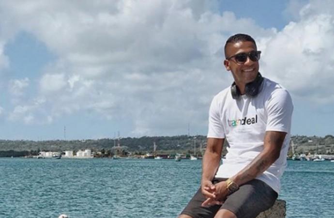 Juancho Style: conoce al artista que no se despega del mar