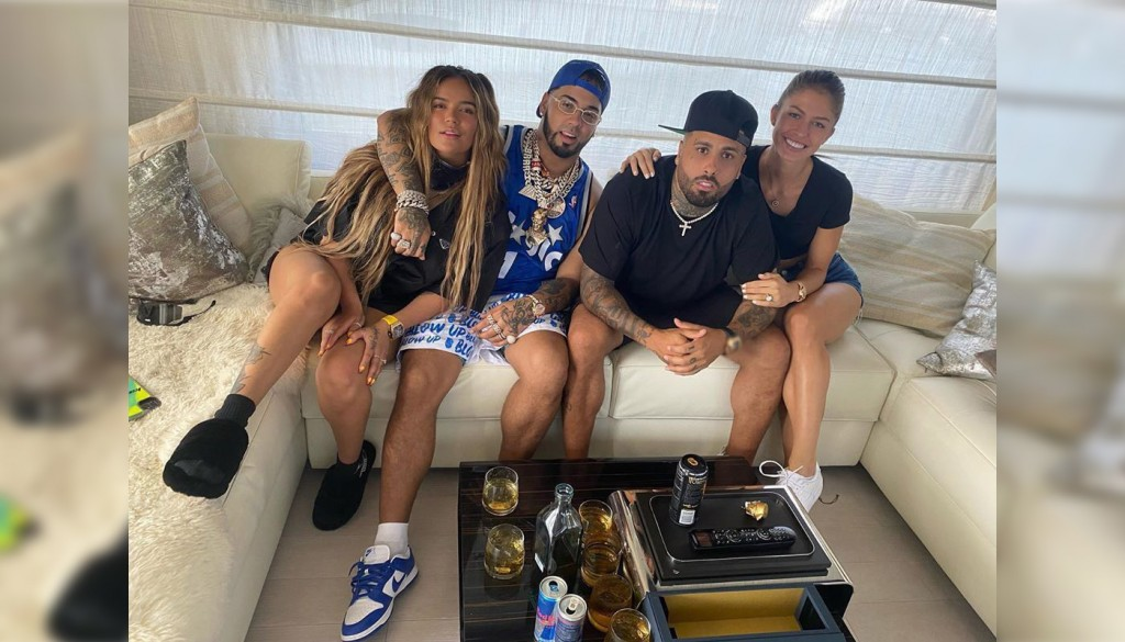 Anuel celebra el lanzamiento de 'Emmanuel' junto a Karol G y Nicky Jam