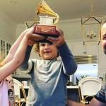 #MusicMonday rinde homenaje a los padres a días de su celebración