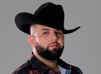 Carin León, un 'luchador' de la música mexicana