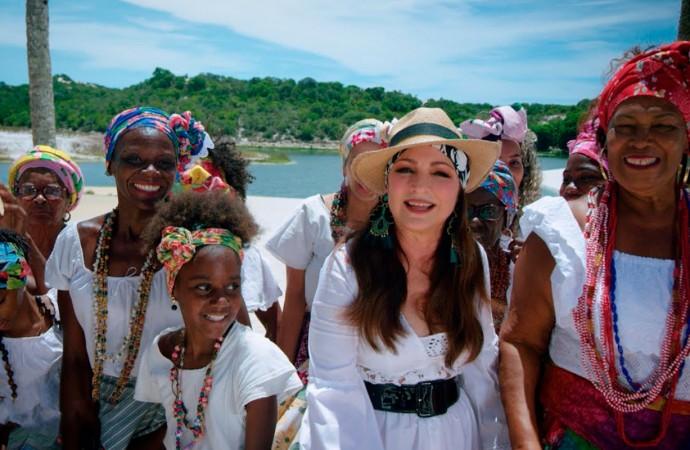 Gloria Estefan regresa con su nuevo tema 'Cuando Hay Amor'
